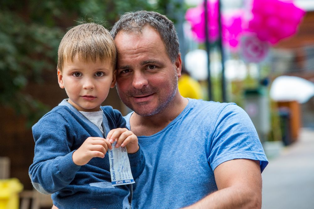 Juraj Droba kandidát na bratislavského župana najviac voľného  času trávi so svojim synom Jurkom