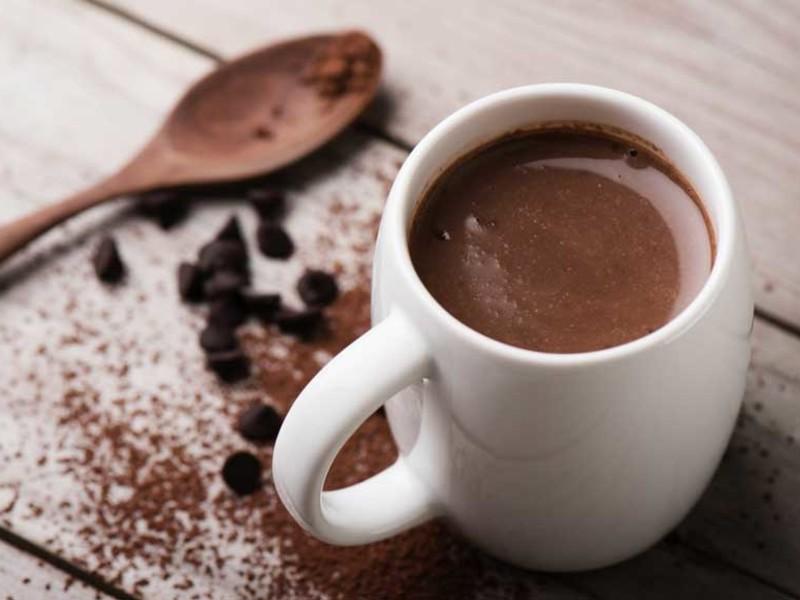 Najtrendovejší nápoj tohoročnej zimy: červené víno – čokoláda