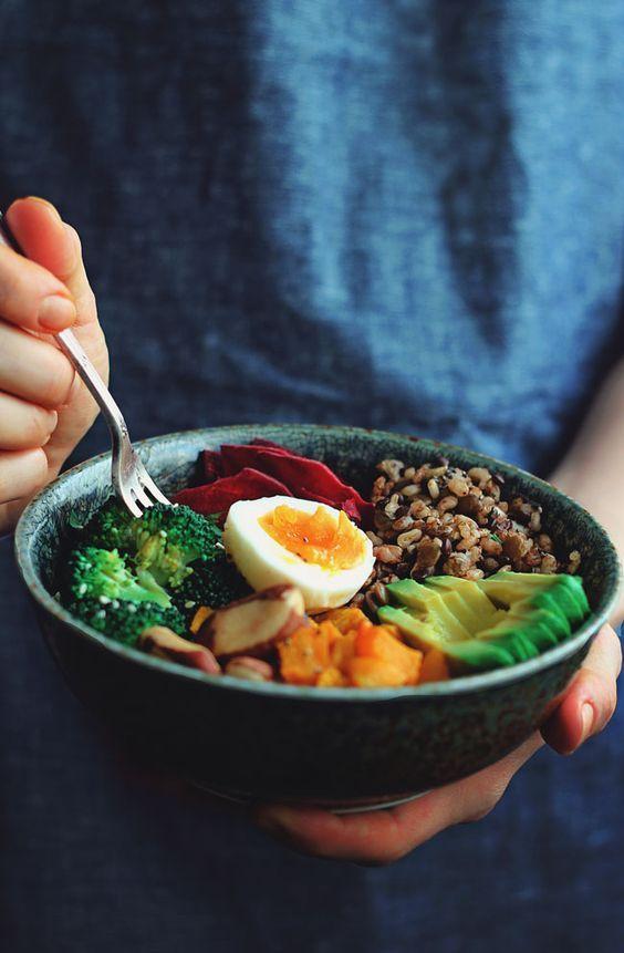 Viete čo je Buddha Bowl? Miska plná farieb, vitamínov a chutí