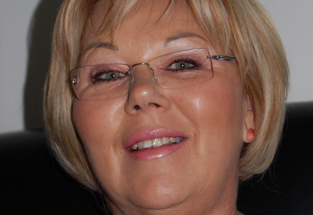 Pamätáte si túto peknú pani z Telerána? Je to Oľga Perušková